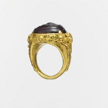Metropolitan Museum of Art: Gold ring with a carnelian or glass intaglio, 2nd–3rd century A.D.