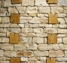 U. Veit: Rekonstruktion eines murus gallicus im Keltenmuseum Manching